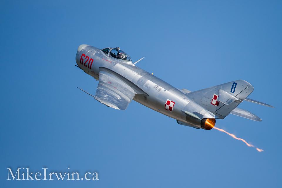MiG-17-2